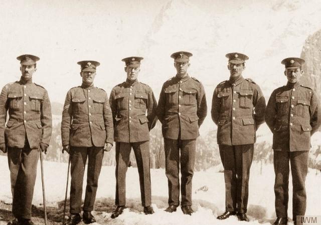 OfficersinMurren-1.jpg